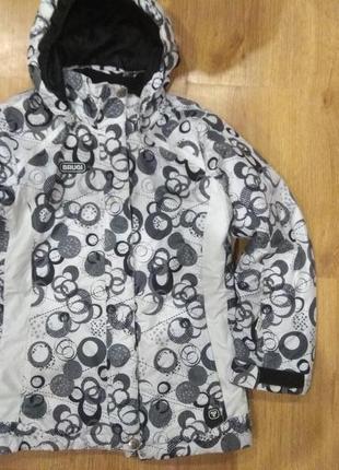 Шикарная лыжная куртка 134 размер