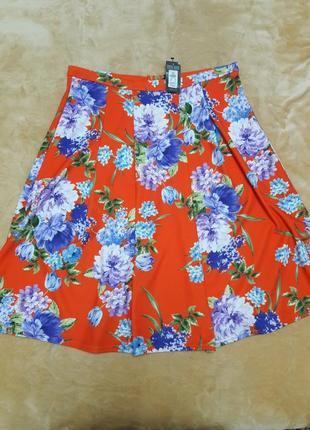 Большой выбор юбок. яркая юбка миди в цветочный принт