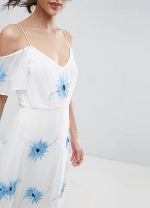 Платье миди с открытыми плечами, вышивкой и асимметричным подолом asos premium a1046