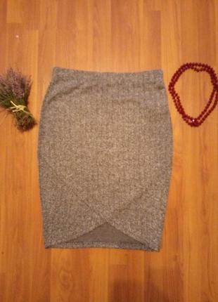 Актуальная стильная демисезонная юбка на запах