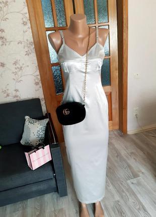 Серебристое платье,  облегающие платье