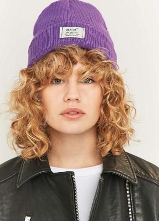 Шапка acne studios акне бини рубчик фиолетовая сиреневая урбан спортивная зимняя лейбой