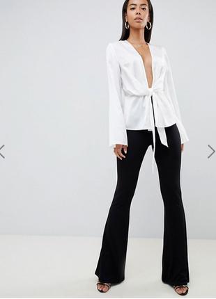 Шикарная, роскошная  новая легкая блуза с v-образным декольте s/m missguided