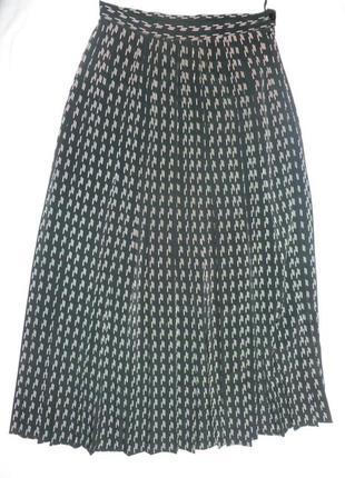 Черная в белую крапинку юбка плиссе стильная длинная класс тренд 2019