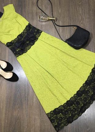Платье салатовое с бантом