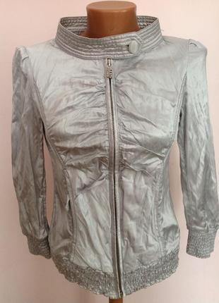 Итальянская фирменная серебристая курточка. /s- m/ brend miss sixty