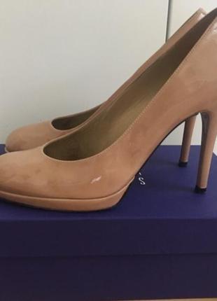 Lux оригинал stuart weitzman 40 р туфли бежевые лак