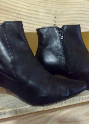 Кожаные, демисезонные ботинки  marks & spencer (m&s). 39 р