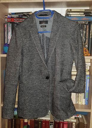 Стильный, теплый и очень красивый пиджак