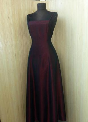 Вечернее платье  цвета марсала c&a