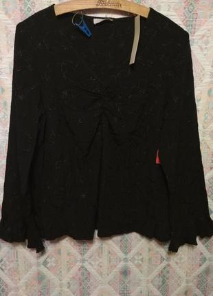 Шикарная черная блуза  с вышевкой