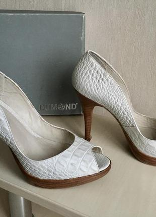 Туфли белые с открытым носком dumond размеры 38,39