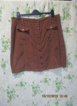 Вельветовая юбка на пуговицах спереди/с карманами
