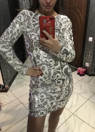 Вечернее платье в паетки белое серебрянное новогоднее праздничное