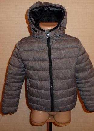 Primark классная демисезонная куртка на 4-5 лет легкая и теплая