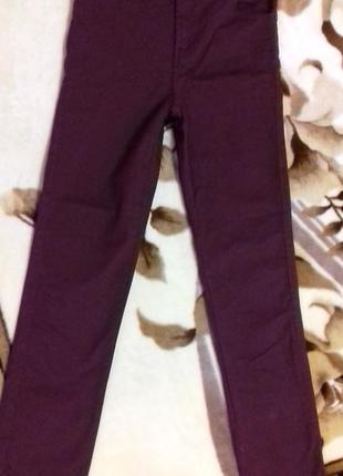 Бордовые джинсы мальчику 14 лет от matalan.