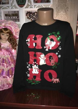 Красивая фирменная кофточка с новогодней тематикой на девочку 8 лет
