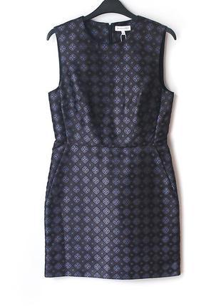 Великолепное жаккардовое платье warehouse