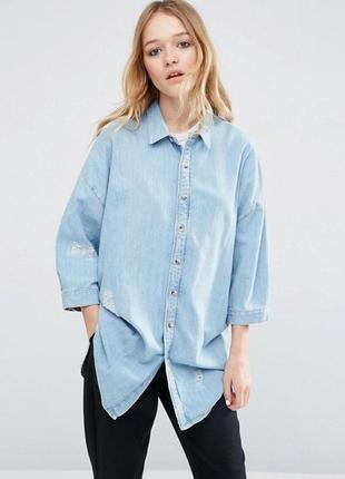 Джинсовая рубашка с вышивкой и прорехами от asos