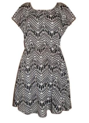 Расклешенное платье принт размер 12 наш 46