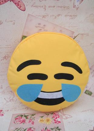 Декоративная подушка эмоджи смех до слез
