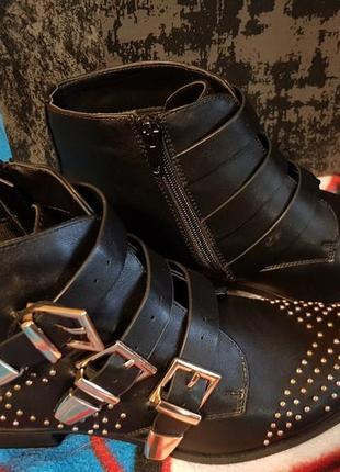 Женские ботинки firetrap 7(40) 26.5 см.