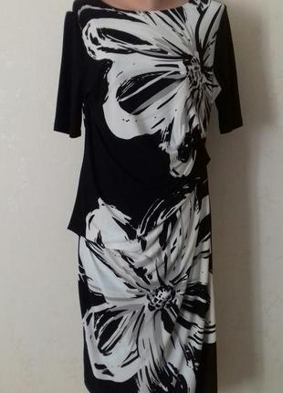 Красивое платье с принтом debenhams