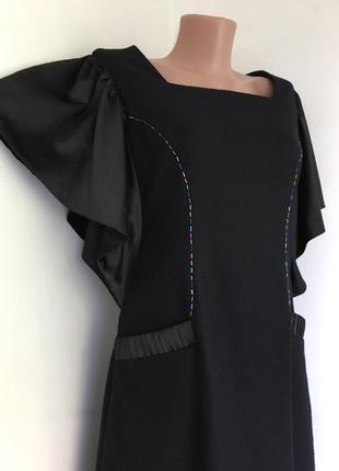 Платье шерстяное нарядное, шерсть атлас, с объёмным рукавом.