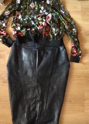 Стильная кожаная юбка 50- 52 размер италия