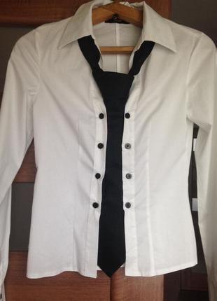 Классическая рубашка с галстуком
