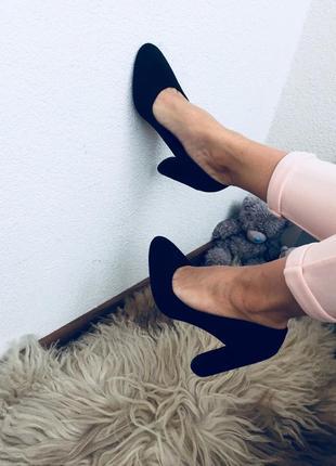 36. 37. 38. 39. 40. черные замшевые туфли на каблуке