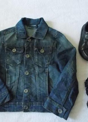 Стильный тёмно синий джинсовый пиджак на 5 лет. 110 см.