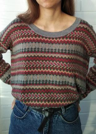 Мягкий свитер с узорами, шерсть ангоры.
