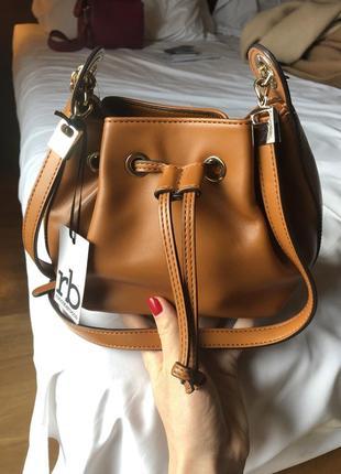 Трендовая сумка бочонок от итальянского бренда roccobarocco (оригинал), лимитка.