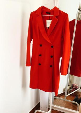 Идеальное платье-жакет цвета сицилийский апельсин