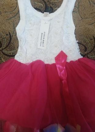 Нарядное платье с биркой на 2 года