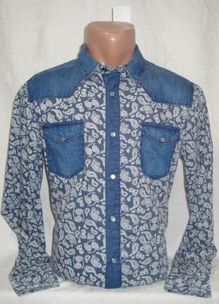 Мужская джинсовая рубашка с длинным рукавом на кнопках terranova. разные цвета.