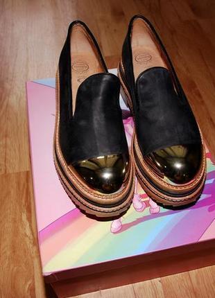Невероятные лоферы jeffrey campbell - black izzard gold cap platform loafers