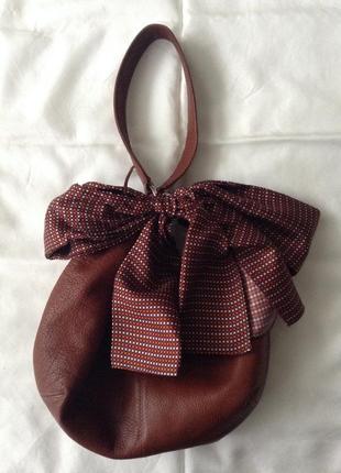 Мягкая кожаная сумка. коньячный. натуральная кожа 100%