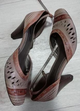 Туфли кожаные стильные marco tozzi 40-41 размер стелька 26.5см