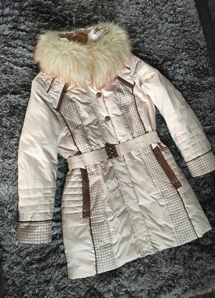 Отличная курточка пуховик с капюшоном