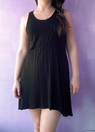 Классное не жаркое платье из вискозы 14 размера черного цвета