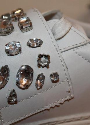 Натуральные кожаные туфли на шнурках sixty seven. белые мокасины с заостренным носом2