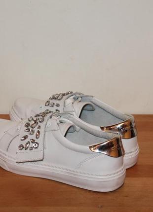 Натуральные кожаные туфли на шнурках sixty seven. белые мокасины с заостренным носом3