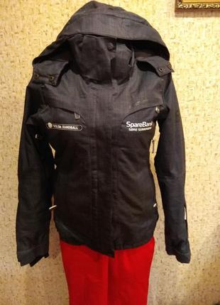 Лыжная куртка 42-44 размер  норвегия