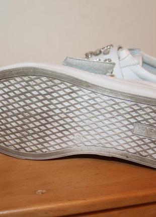 Натуральные кожаные туфли на шнурках sixty seven. белые мокасины с заостренным носом5