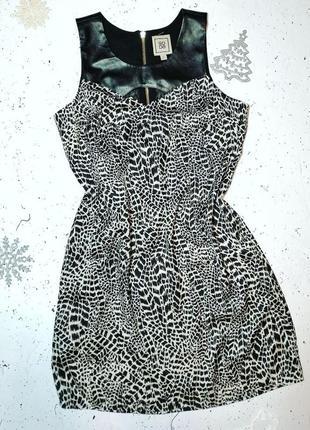 Шифоновое платье в красивый принт с вставками под кожу soda s