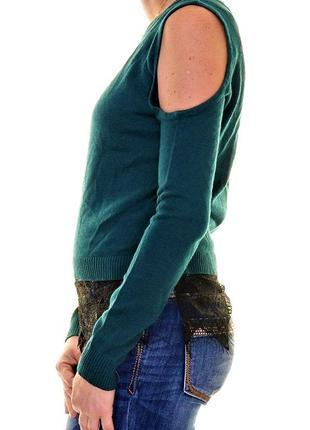 Tонкий свитерок с вырезами по рукам, отороченный кружевом по низу ( на 46-48 р)