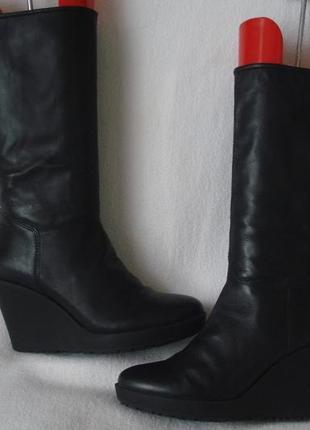 38,5-39 р./25 cм. фирменные демисезонные кожаные сапоги vagabond