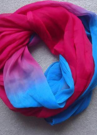 Очень красивый шарфик.